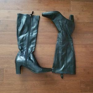 EUC Franco Sarto Tonya Boots (Size 7.5= Size 6Y)
